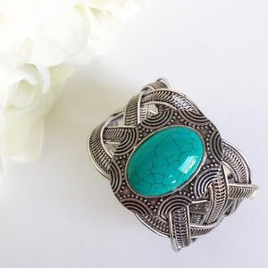 Jewelry - Southwest Silver Tone Turquoise Cuff Bracelet